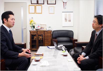 今後の計画を話す大塚様(写真左)と、Carケア・川瀬(写真右)
